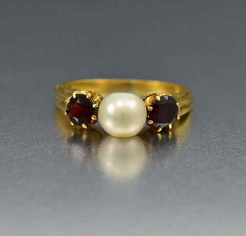 Superb Antique Garnet and Pearl 18K Gold Ring