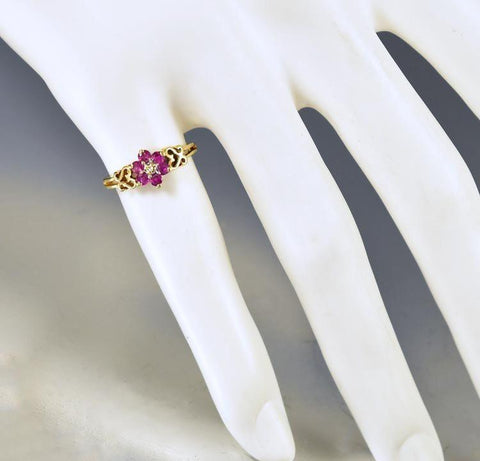 Vintage Estate 10K Gold Heart Diamond Ruby Ring