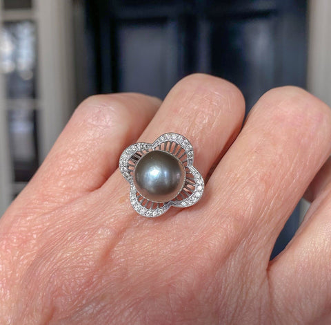 Gray Tahitian Pearl 14K White Gold Diamond Pave Ring