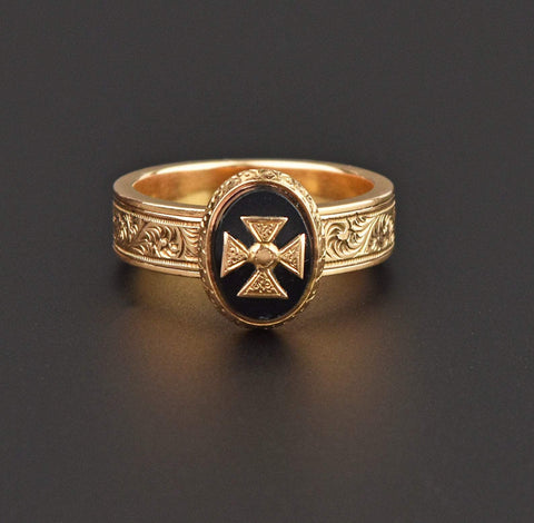 18K Gold Secret Compartment Ring, Onyx Cross Pattée