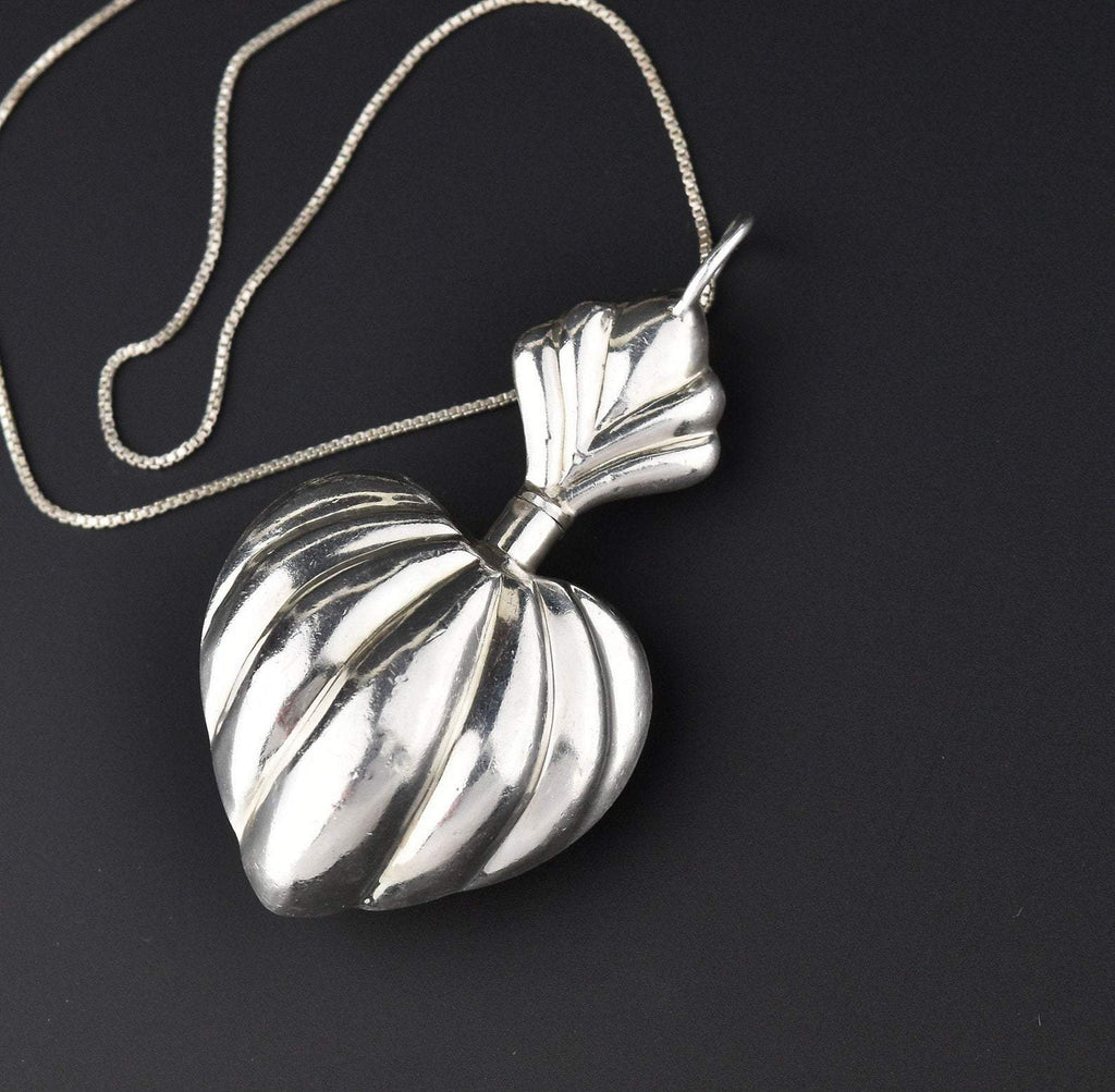 Fluted Puffy Heart Silver Perfume Pendant Necklace - Boylerpf