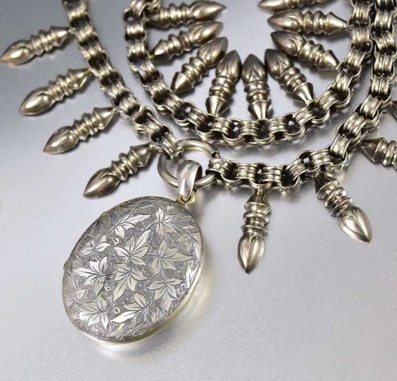 Antique Silver Victorian Ivy Engraved Oval Pendant Collar Necklace - Boylerpf
