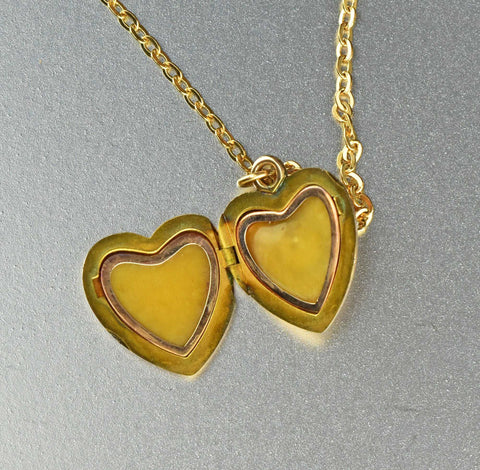 Vintage 10K Gold Diamond Heart Locket