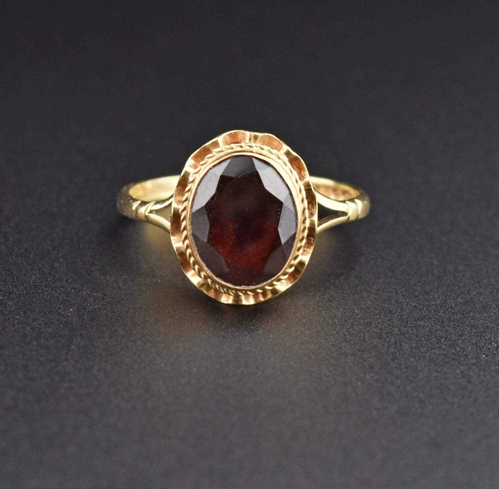 Gold Vintage 2.5 Carat Garnet Cocktail Ring