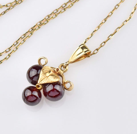 14K Gold Vintage Garnet Necklace