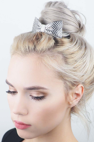 Kitsch Bow Bun Pin in Silver