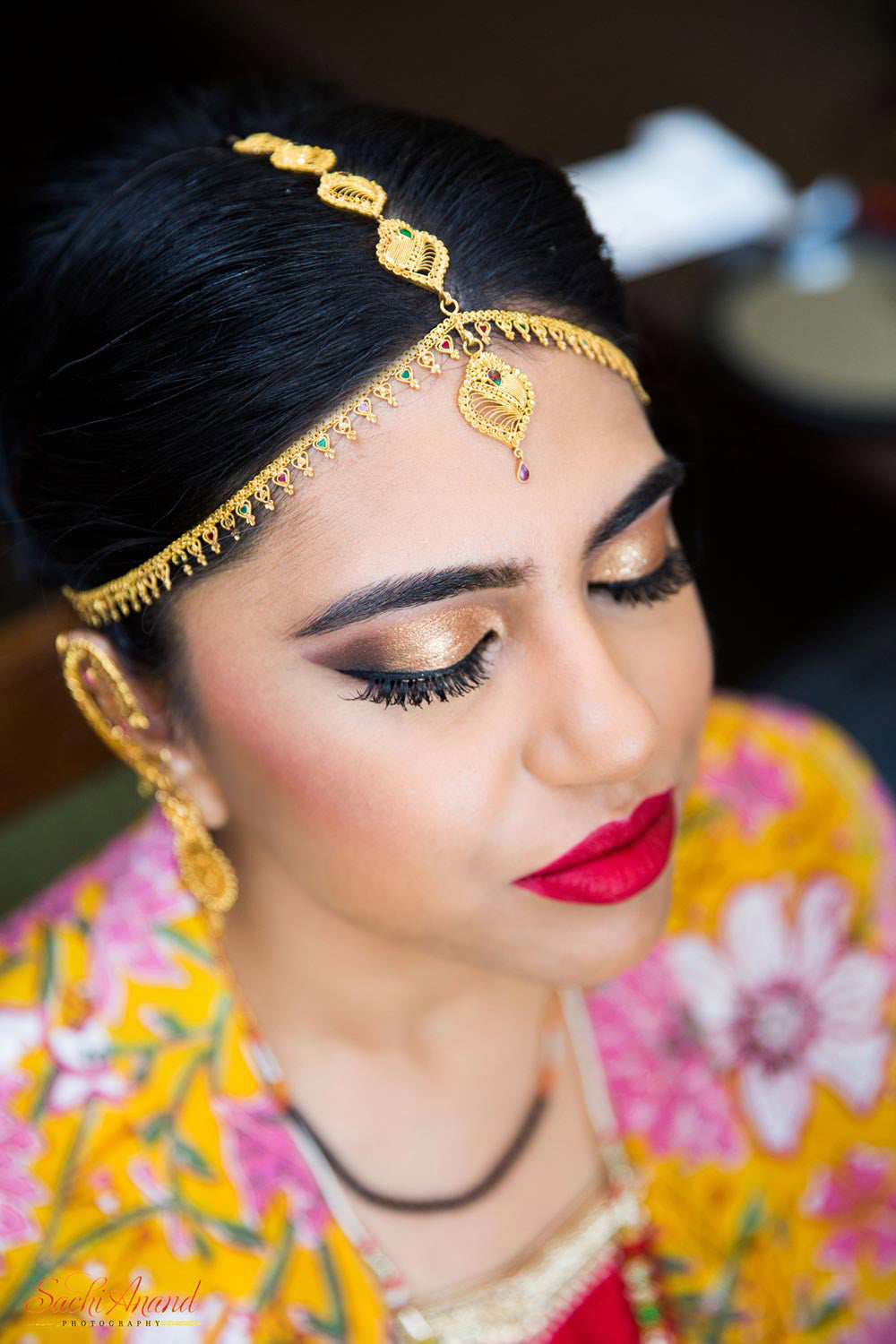 Indian Bride Gold Jewelry Makeup