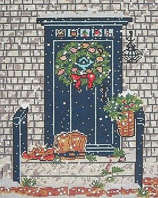 NEEDLEPOINT HandPainted CHRISTMAS Susan Wallace Barnes BLUE DOOR 18M