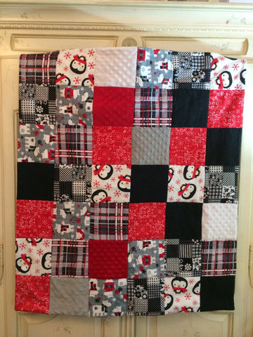 Neutral Baby Quilt - Penguins & Polar Bears