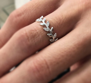925 Sterling Silver And Crystals Leaf