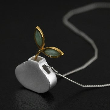 925 Sterling Silver Bird Vase Natural Aventurine Necklace
