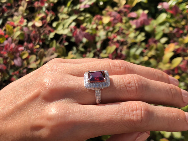 925 Sterling Silver 4 Carat Garnet & 4 Carat Diamond Halo Ring