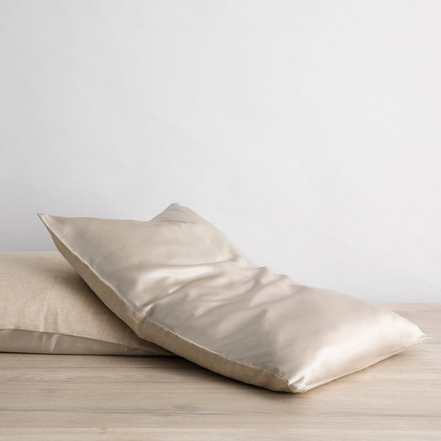 Silk Flip Pillowcase in Natural