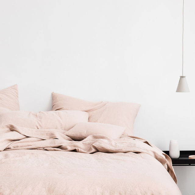 Linen Duvet Cover and Pillowcases in Blush