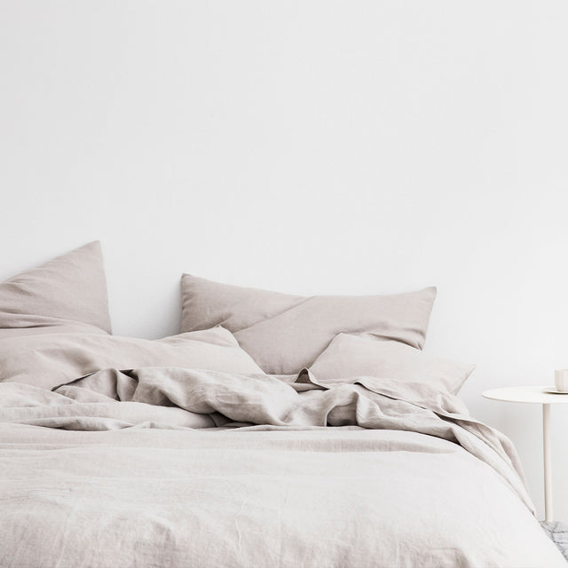 Linen Duvet Cover and Pillowcases in Smoke Gray