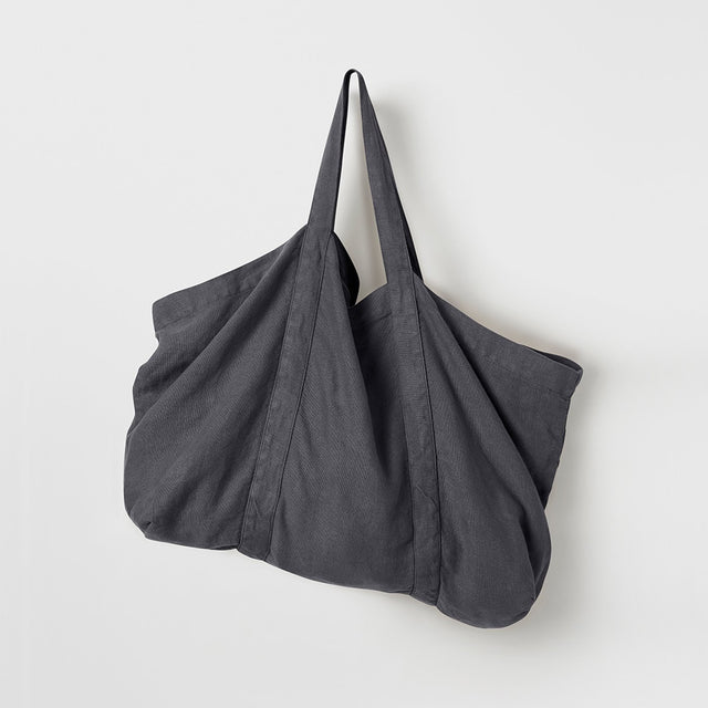 Frankie Linen Bag in Slate hanging