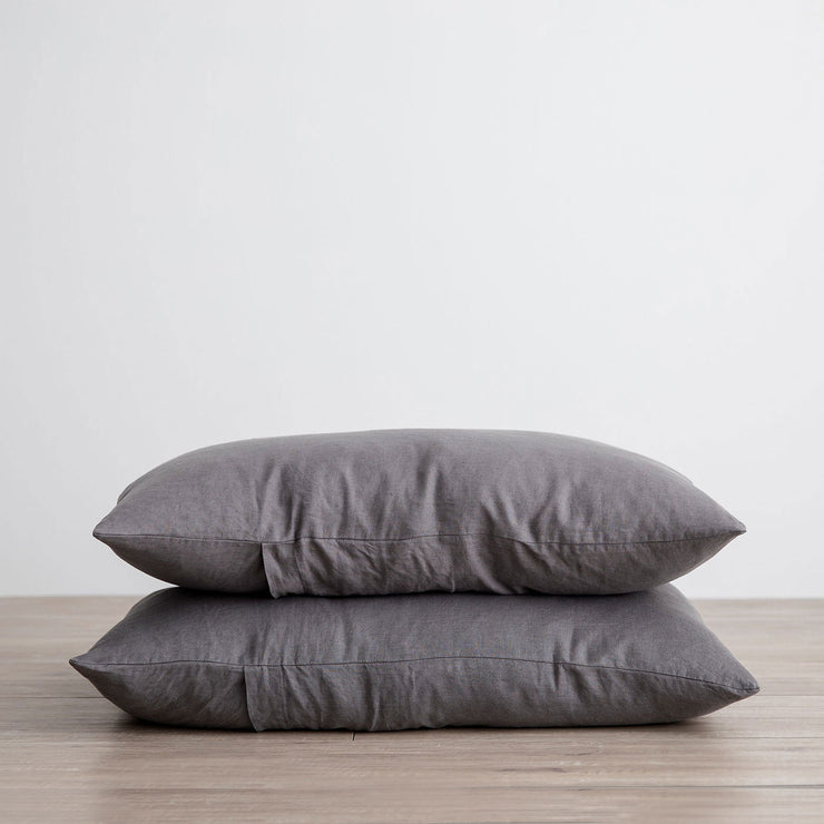 Set of 2 Linen Pillowcases - Charcoal Gray