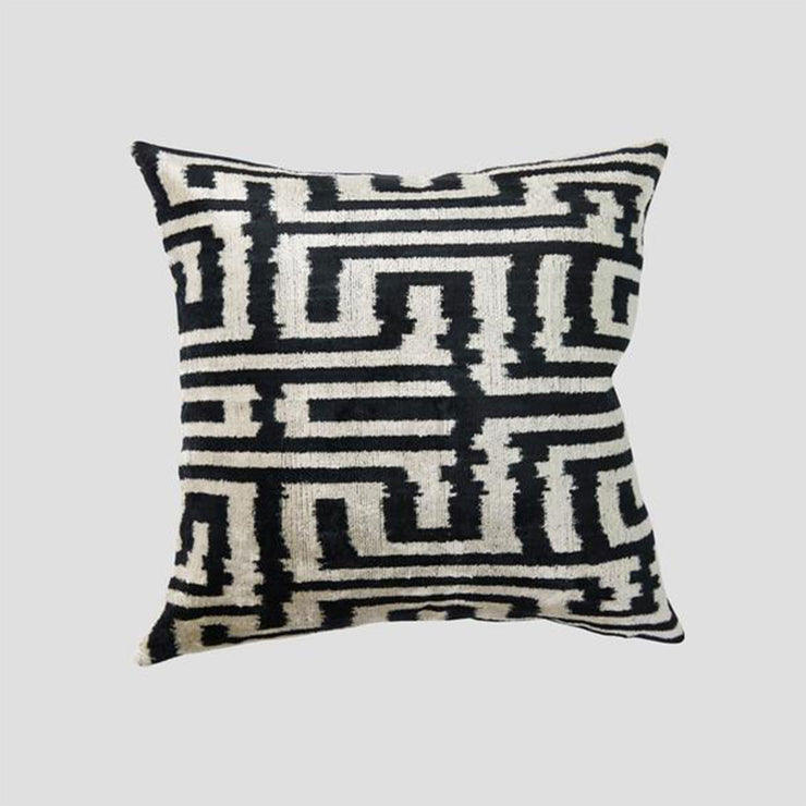 Silk Velvet Cushion - Bulmaca