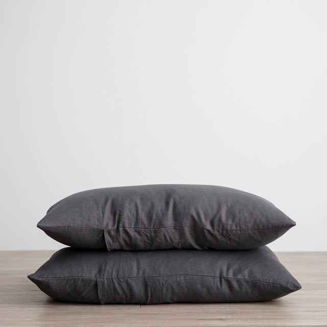 Stack of 2 Linen Pillowcases in Slate