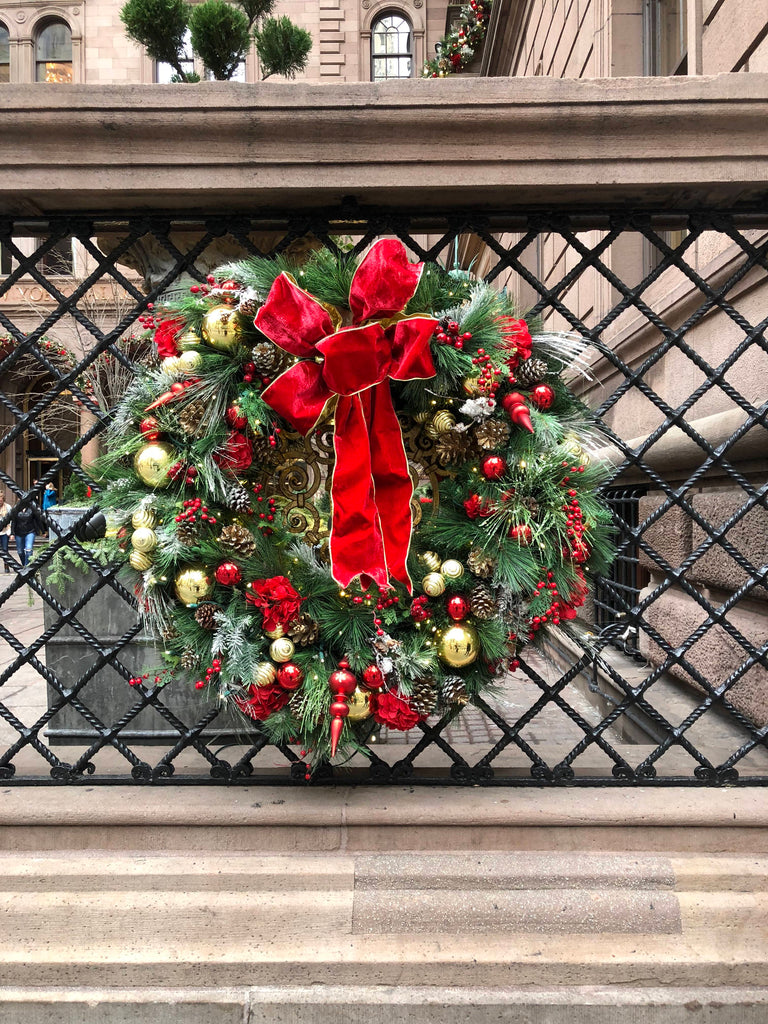 Christmas in New York: Wreaths galore