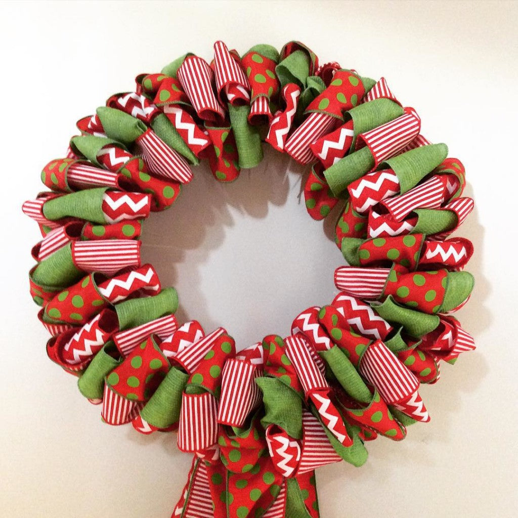 How to make a ribbon wreath my christmas for Decor zippay