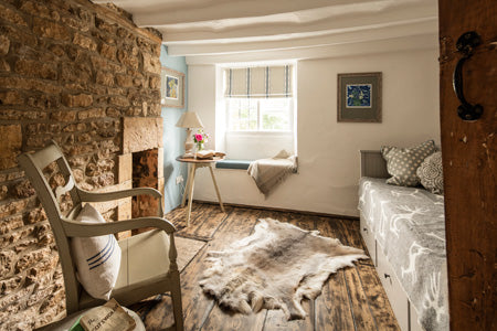Cosy Cotswold room in Middle Rose from Cotswold Grey.