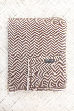 Load image into Gallery viewer, Cashmere Throw - Chocolate Chevron