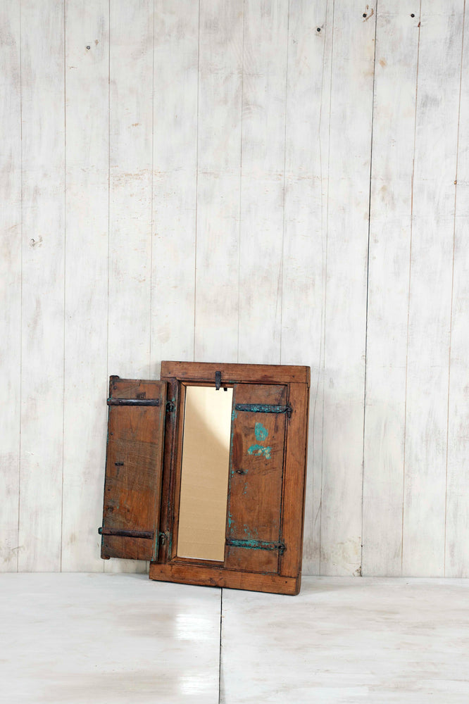 WOODEN WINDOWS SMALL-278