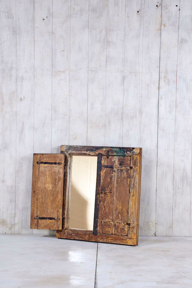 WOODEN WINDOWS SMALL-287
