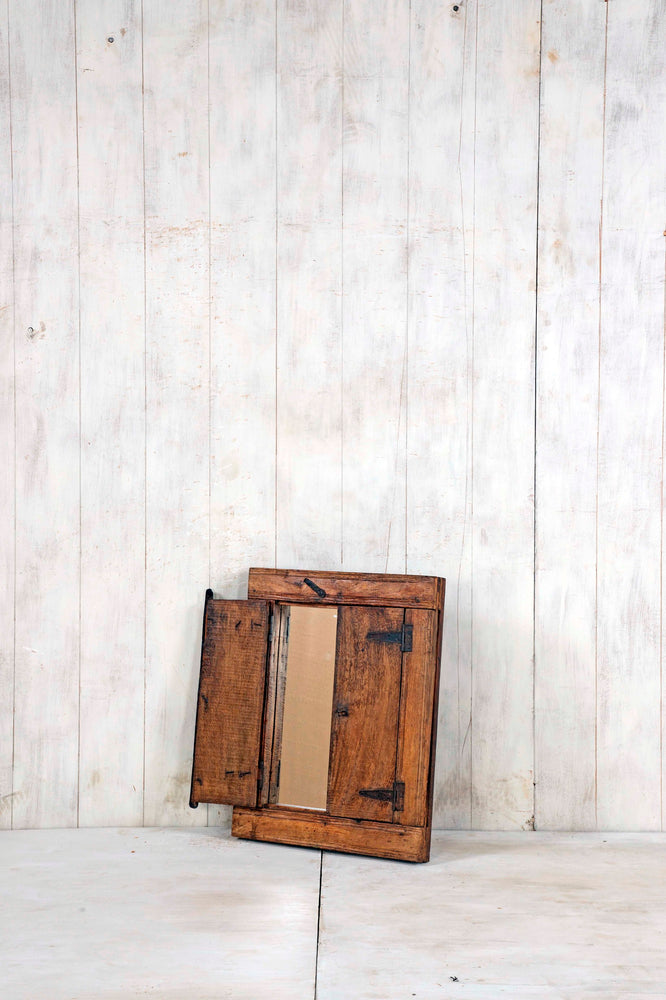 WOODEN WINDOWS SMALL-314