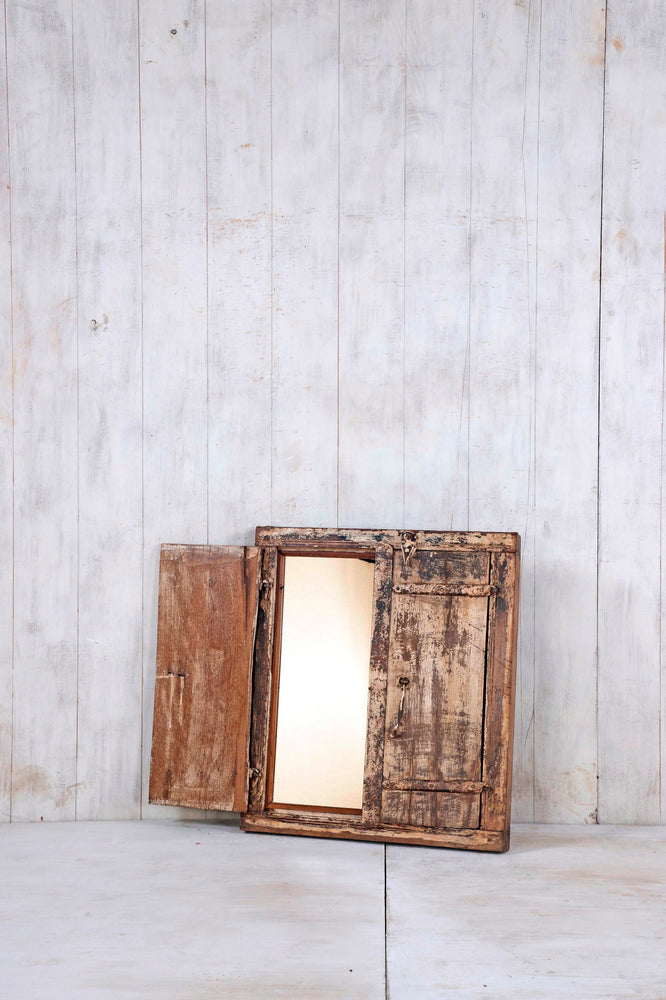 WOODEN WINDOWS SMALL-319
