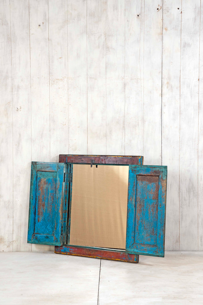 WOODEN WINDOWS SMALL-390