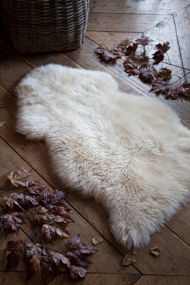 Load image into Gallery viewer, New Zealand Sheepskin 100cm - Light Honey