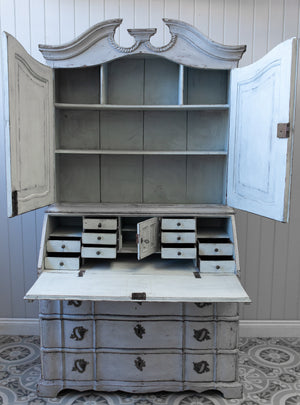 Load image into Gallery viewer, Gustavian Rococo Bureau no.7