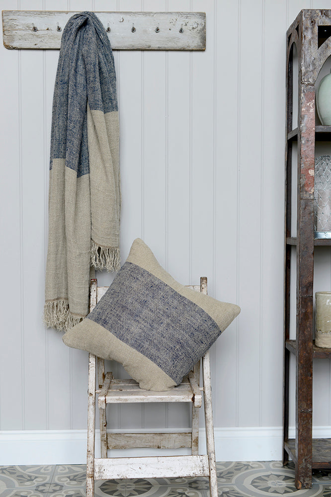 Hali linen throw with matching linen cushion.