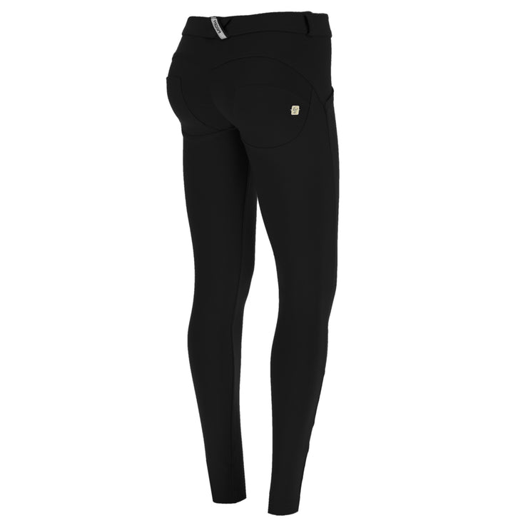 (WRUP1PRD01E-N)SUPER SKINNY WR.UP® BLACK PANTS IN YARN-DYED D.I.W.O.® PRO FABRIC WITH REGULAR WAIST