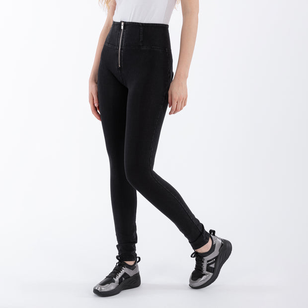 (WRUP1HJ01E-J7N)WR.UP® HIGH-WAIST SKINNY-FIT BLACK PANTS IN STRETCH DENIM WITH SILVER ZIPPER
