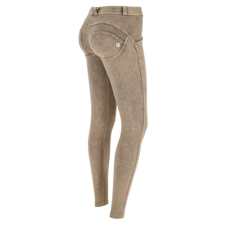 (WRUP1RF823-Z100) WR.UP® REGULAR WAIST SKINNY-FIT BEIGE PANTS WITH ACID-WASHED EFFECT