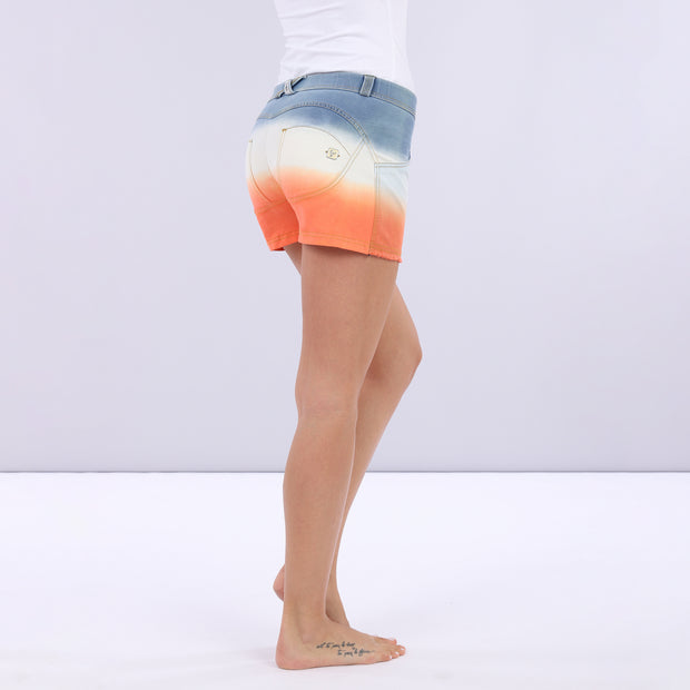 (WRUP9RS023-JWA)DÉGRADÉ SHAPING WR.UP® SHORTS WITH A FRAYED HEM