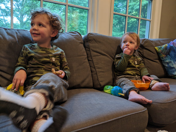 The kiddos love Bubble Guppies... and we do, too, because they allow us to get ready!