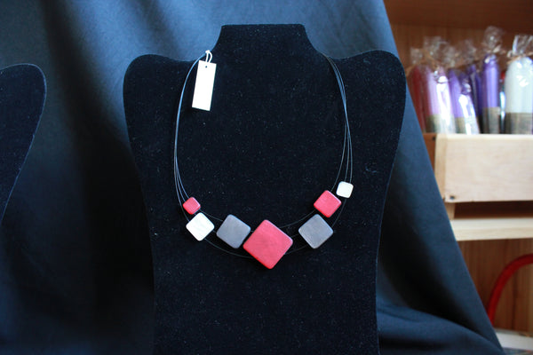 Necklace - SQ. NECK: RED/DENIM COMBI