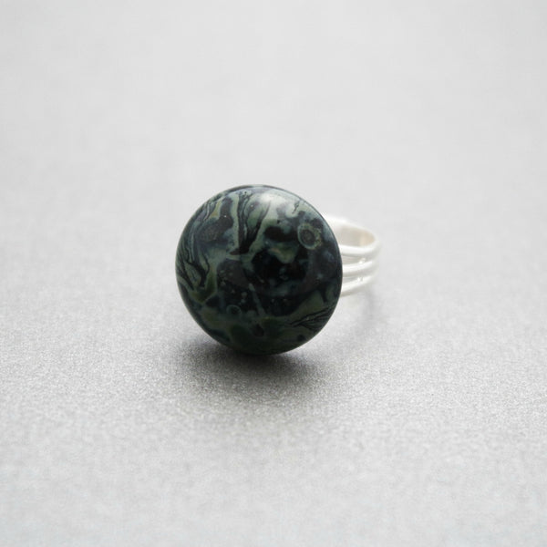 Black And Gray Swirl Ring Front