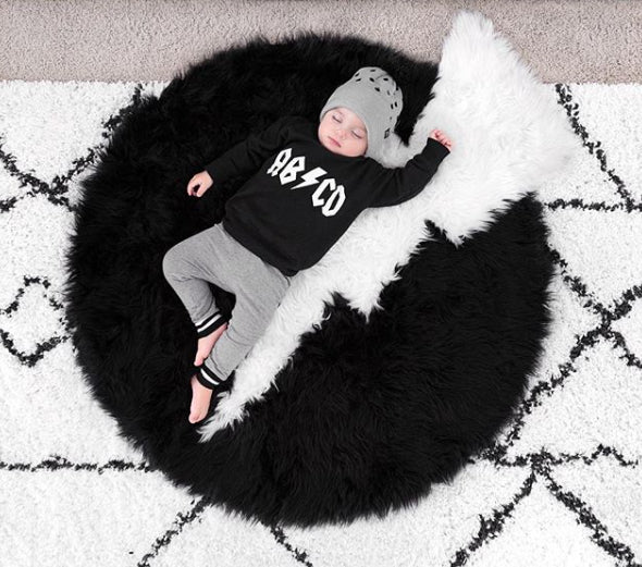 NEW! Machine Washable Faux Sheepskin Thunderbolt Black and White Area Rug