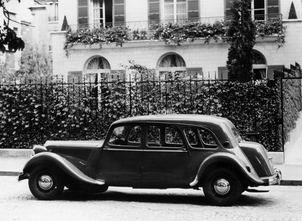 Detail of 1954 Citroën 15CV Familiale parked outside a house by Unknown
