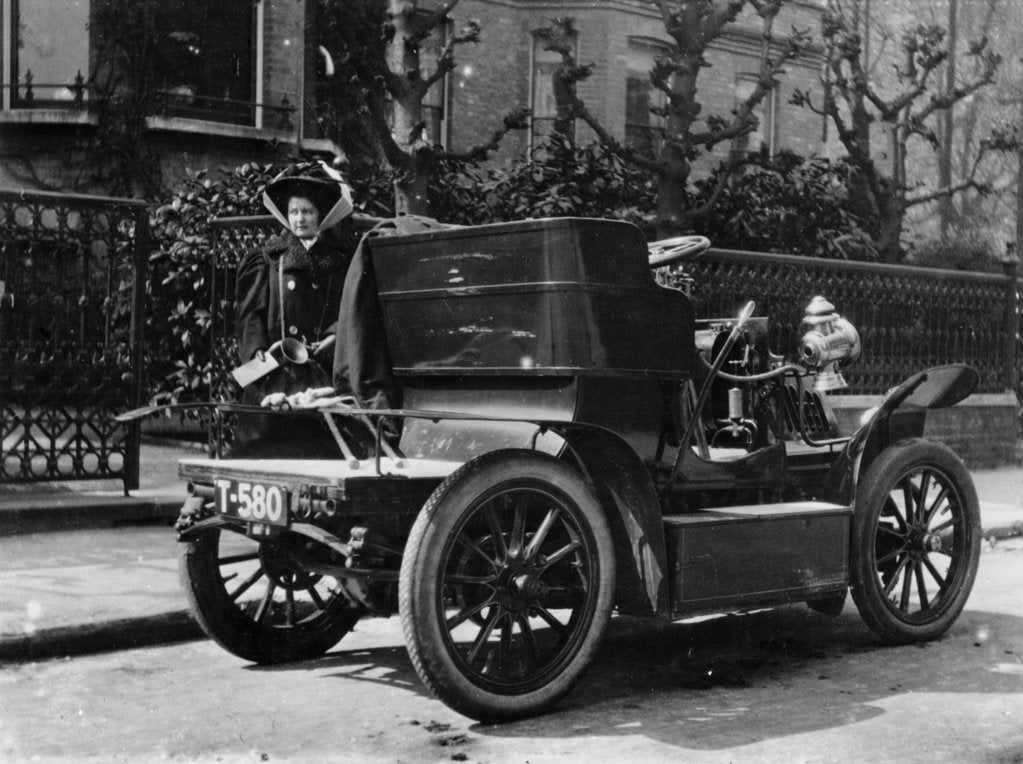 A 1904 De Dion car parked in a street, (c1904?)