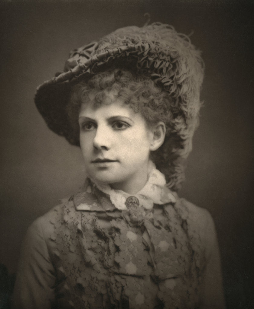 Alma Murray, British actress by London Stereoscopic & Photographic Co