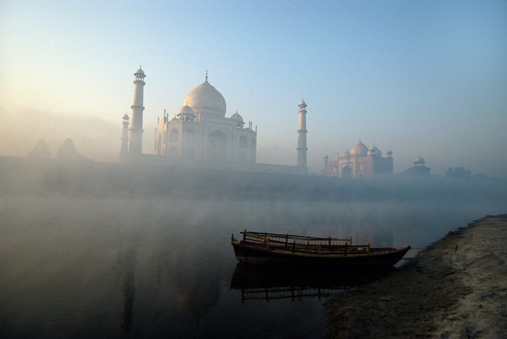 Detail of Landscape view of The Taj Mahal, Agra, Uttar Pradesh, India by Corbis