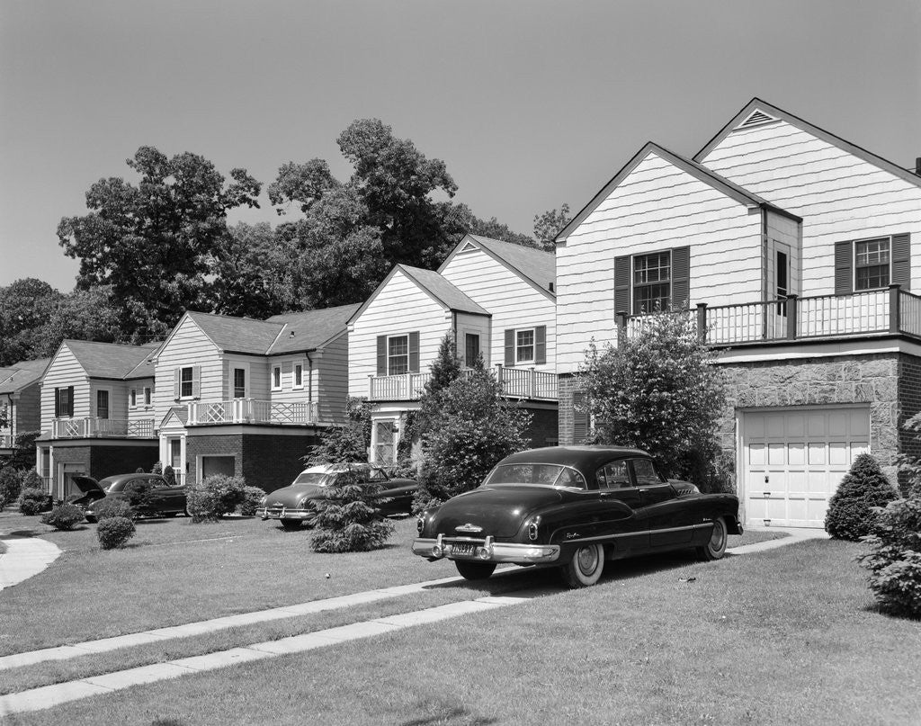 1950s suburban street of typical homes queens new york ...  1950s Suburban Homes
