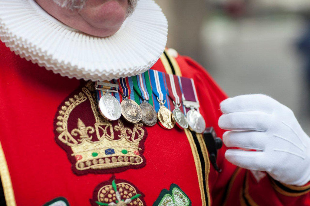 Detail of Yeoman Warder uniform by Jordi Ruiz Cirera