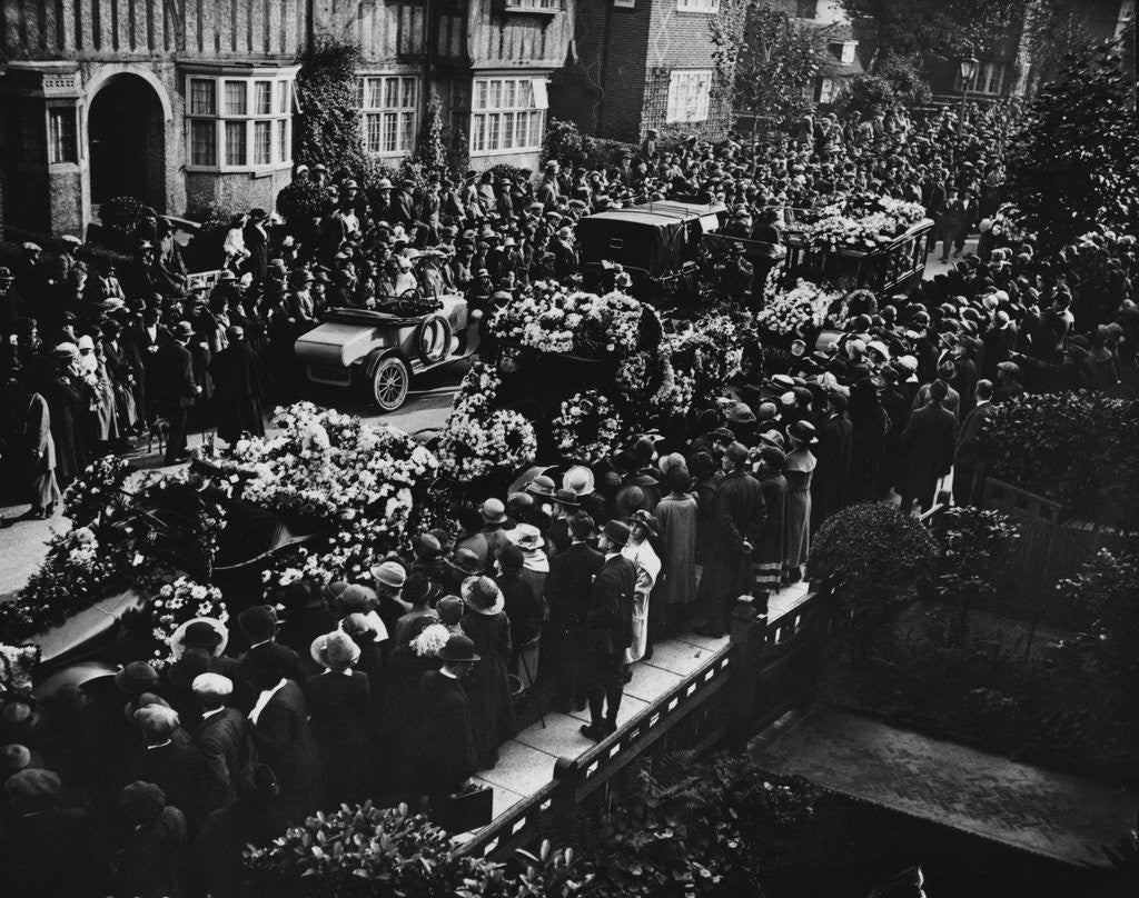 Funeral of Marie Lloyd, 1922 by Corbis